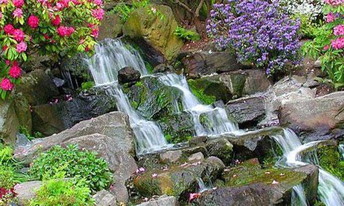 Альпийская горка с водопадом